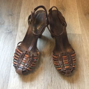 BCBG Thatched Leather Wooden Heals